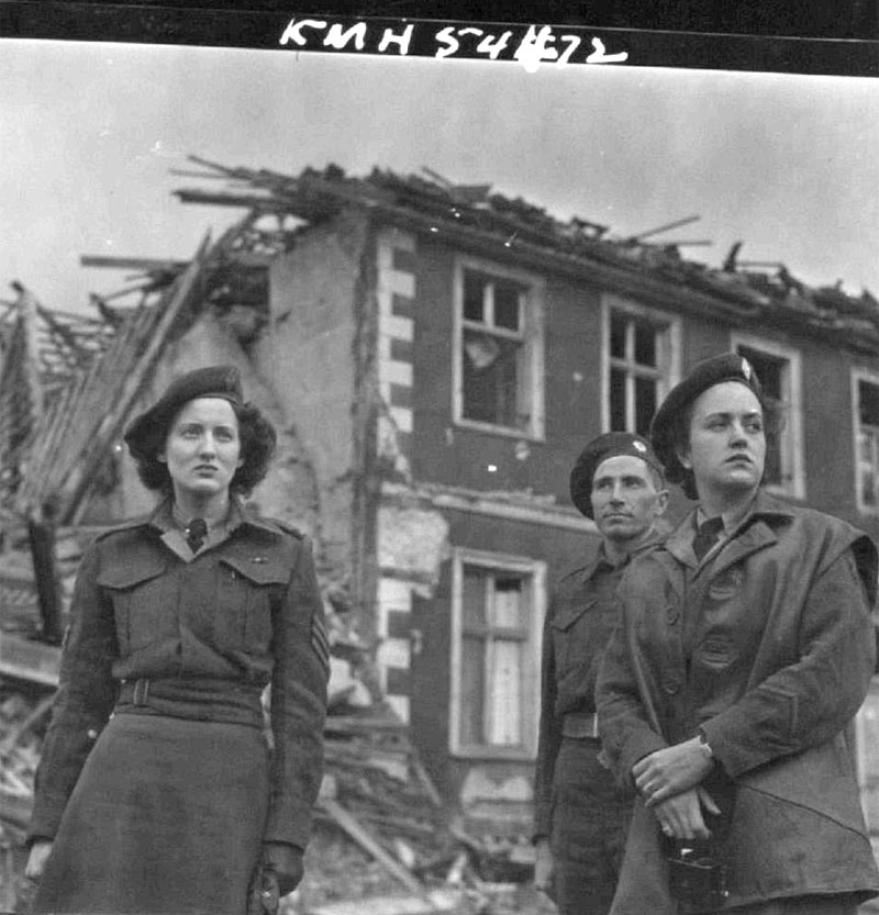 CWACs_Invade_Germany_Bad_Salzuflen_12JUNE45_Hermeston_ALB101.jpg