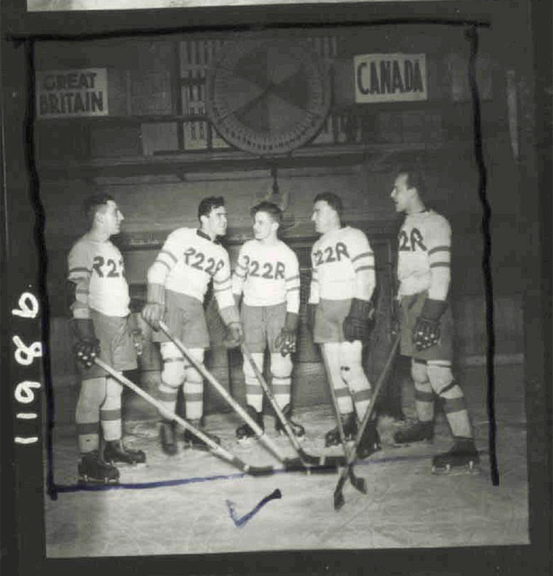 Royal_22nd_Regiment_Hockey_Brighton_12JAN43_ALB031_Towers.jpg