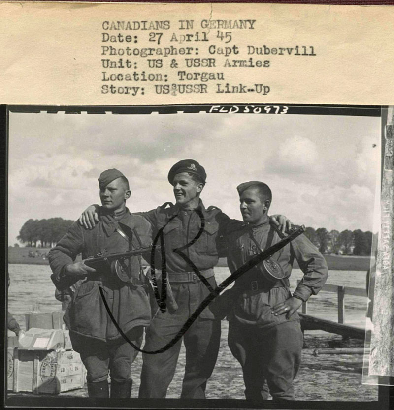 US_USSR_link_up_27APRIL45_Torgau_Dubervill_ALB094.jpg